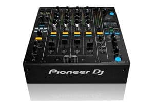 CDJ2000 NXS2 mixer