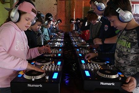 DJ workshop voor basisscholen en BSO