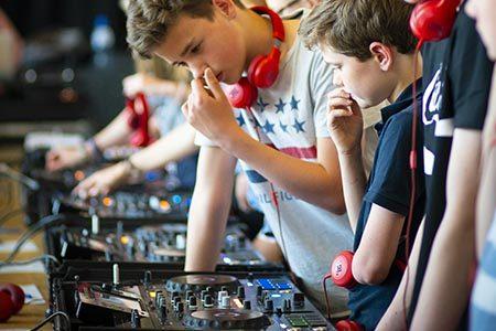 450x300 DJ Workshop jongeren